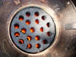 Tác hại khủng khiếp của việc đun nấu bằng than tổ ong