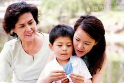 Câu nói của con trai khiến mẹ chồng phải hối hận và đối xử khác với con dâu