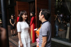 Trường Giang ôm Nhã Phương, công khai tỏ tình trong họp báo