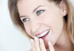 Sử dụng nước vo gạo giúp làm trắng răng tại nhà