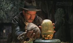 Câu chuyện dân gian: Thứ được ném qua tường rốt cuộc là vàng hay là đá?