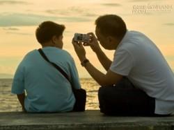 Câu chuyện Cá và Nước của cha giúp con trai lấy lại niềm tin vào cuộc sống