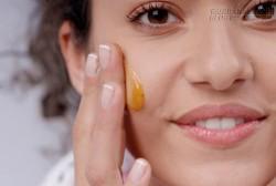 Chỉ 15 phút, dọn sạch bã nhờn và nốt mụn trên da mặt cả ngày