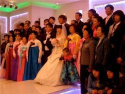 Ngỡ ngàng với nghề ăn cưới thuê ở Hàn Quốc