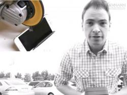 Người kiếm tiền bằng cách tra tấn iPhone