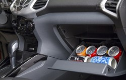 6 món đồ sẽ trở thành bom hẹn giờ nếu để nó trong xe ô tô