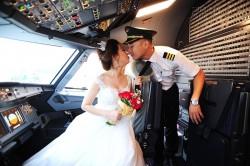 Chàng cơ phó mất 10 năm để chinh phục nữ phi công xinh đẹp