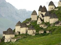 Khám phá Dargavs – ngôi làng ma bí ẩn ở Nga