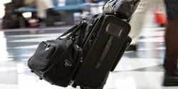 Điều tối kị khi đi máy bay: Chuyển giúp hành lí người khác