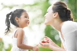 6 cách không nước mắt để dạy con trở thành người tử tế