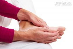 96% người dân không biết hoặc biết thì đã muộn với triệu chứng tê tay, tê chân