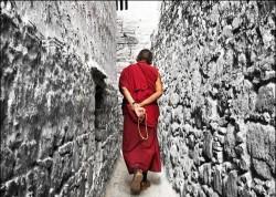 Bài học kiểm soát bản thân mỗi khi tức giận của ông già Tây Tạng
