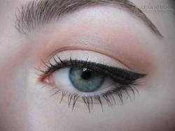 Thủ thuật giúp đôi mắt bạn trở nên to tròn, long lanh trong vòng 1 nốt nhạc
