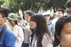 Nữ sinh có góc mặt nghiêng hoàn hảo tại trường thi vào ĐH Quốc Gia khiến dân tình mê mệt