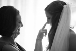 Mẹ dạy con gái: Hạnh phúc là biết ước muốn vừa đủ!