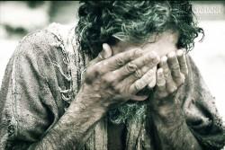 Mảnh ghép cuộc sống: Ông già mù xin ăn nơi góc chợ