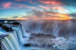 Mê mẩn trước vẻ đẹp huyền ảo của 12 thác nước kỳ lạ nhất thế giới