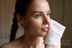 7 Sai lầm dưỡng trắng khiến da bạn đã mụn lại thêm...đen