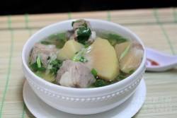 Công thức nấu canh sườn non với sa-kê thơm ngon bổ dưỡng cho ngày hè
