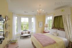 Mẹo dùng sắc màu nới rộng không gian phòng ngủ