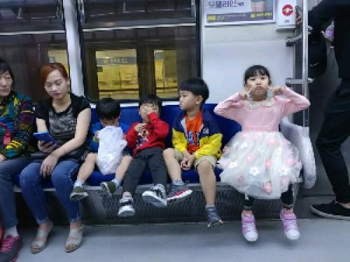 10 bí quyết giúp con trẻ tự tin hơn, 79620, Ms. Bích Ngọc, Blog MuaBanNhanh, 16/03/2018 11:36:25