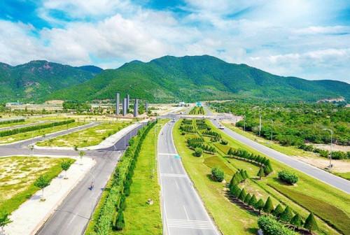 Điều gì khiến MC Nguyễn Cao Kỳ Duyên quyết định sở hữu biệt thự biển trong dự án Golden Bay Cam Ranh, 83375, Hồ Như Yến, Blog MuaBanNhanh, 19/07/2018 14:33:31