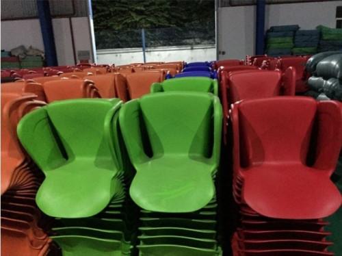 Thanh lý bàn ghế nhựa đúc cafe giá tốt, 84433, Hoàng Vy, Blog MuaBanNhanh, 15/08/2018 13:40:54