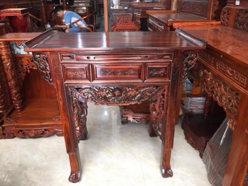Cách sắp xếp, bài trí mẫu tủ bàn thờ gia tiên gỗ muồng đẹp, 84494, Phạm Thị Yến Nhiên, Blog MuaBanNhanh, 17/08/2018 08:45:00