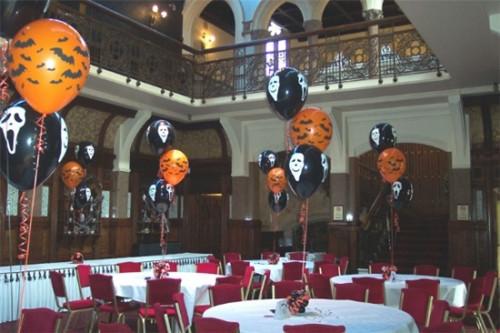 Trang trí quán cafe chào đón Halloween bằng decal dán tường độc đáo, 85841, Ms Bích Ngọc, Blog MuaBanNhanh, 27/09/2018 11:50:21