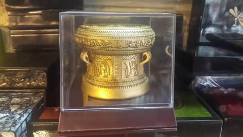 Hộp mica đựng sản phẩm mẫu - Hộp chụp sản phẩm lưu niệm trong suốt, 87893, Ms Thúy Quảng Cáo Livina, Blog MuaBanNhanh, 15/01/2019 12:03:22