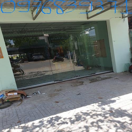 Cấu tạo cửa kính 10 ly gồm những gì?, 93962, Vũ Thị Lệ Quyên, Blog MuaBanNhanh, 19/02/2020 17:59:07