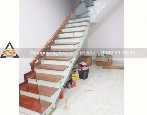 Thiết kế cầu thang kính cho nhà ở hiện đại, 93879, 0975785204, Blog MuaBanNhanh, 19/02/2020 13:29:20
