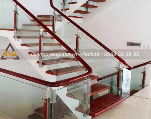 Cầu thang kính cường lực có vai trò như thế nào?, 93827, 0975785204, Blog MuaBanNhanh, 13/03/2020 11:21:18