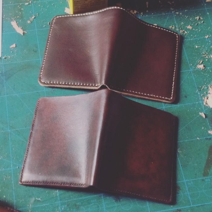 Những ưu điểm của chiếc ví da bò thật(1)