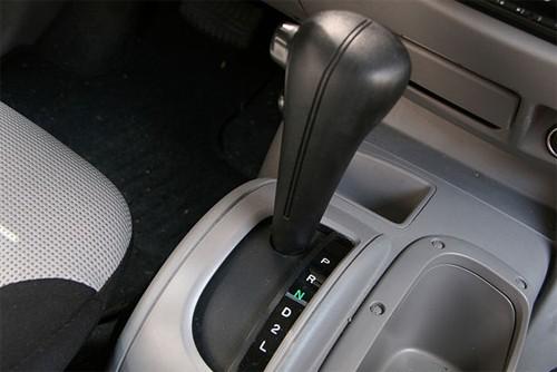 Hướng dẫn thay lốp ô tô cho người mới mua ô tô (2)