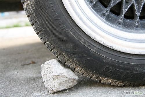 Hướng dẫn thay lốp ô tô cho người mới mua ô tô (3)
