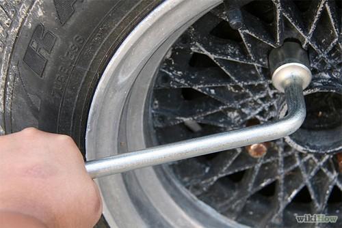 Hướng dẫn thay lốp ô tô cho người mới mua ô tô (6)