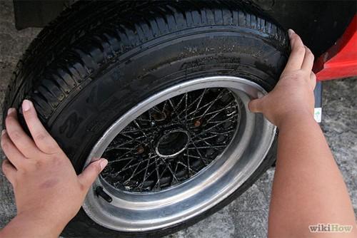 Hướng dẫn thay lốp ô tô cho người mới mua ô tô (10)