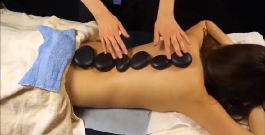 massage đá nóng 2