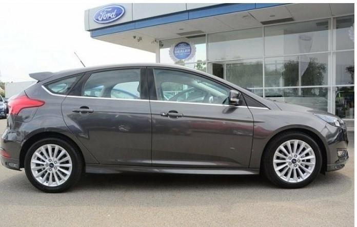Giá bánxe Ford Focus các phiên bản