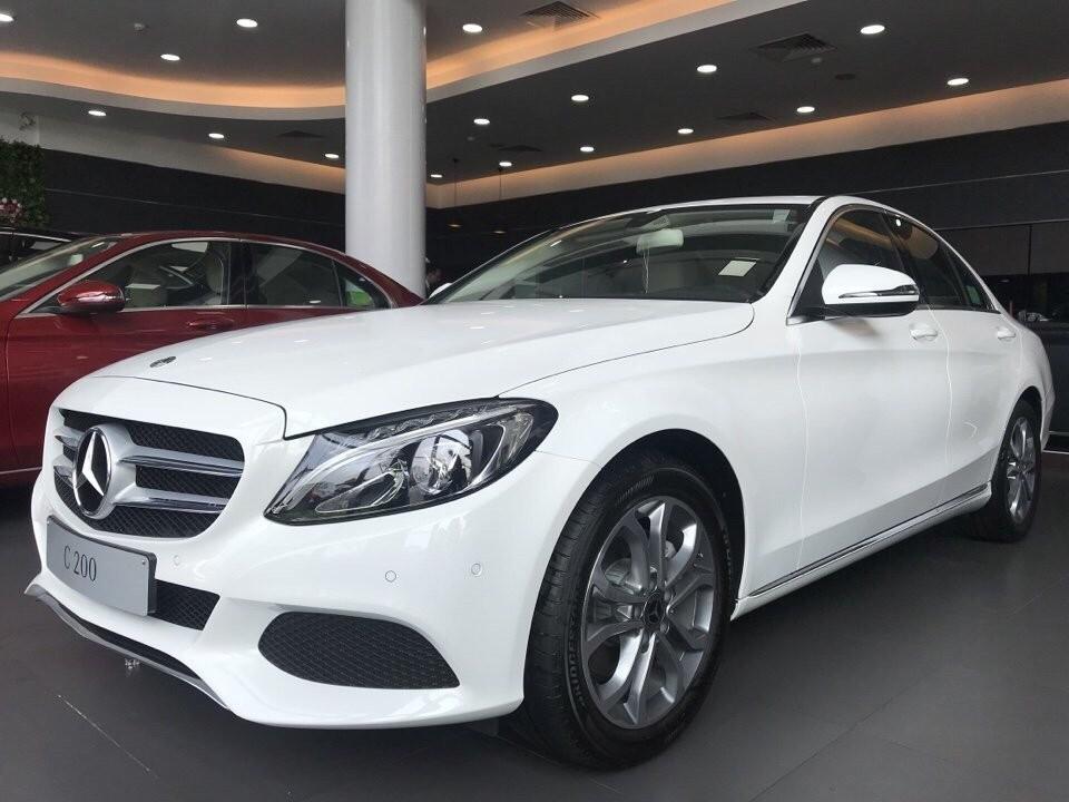 Ưu điểm mê hoặc của các loại xe Mercedes Benz