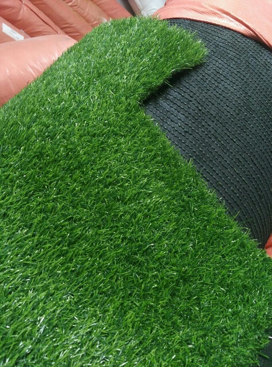 Các yếu tố quyết định giá cỏ nhân tạo