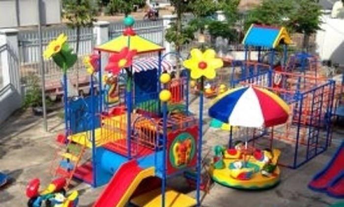 Báo giá thiết bị đồ chơi mầm non ngoài trời: cầu trượt cho bé