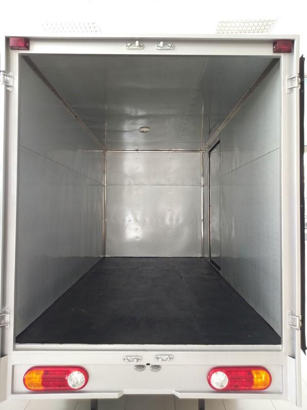 Đánh giá chi tiết New Porter 150 thùng composite do Hyundai Thành Công phân phối(2)