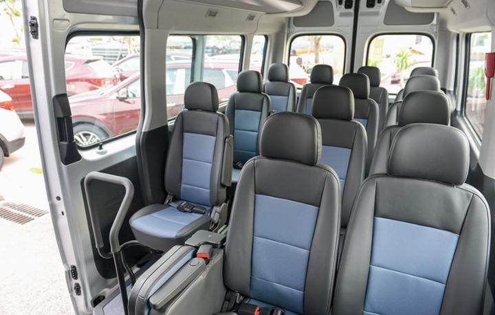 Nội thất xe Hyundai Solati 16 chổ(2)