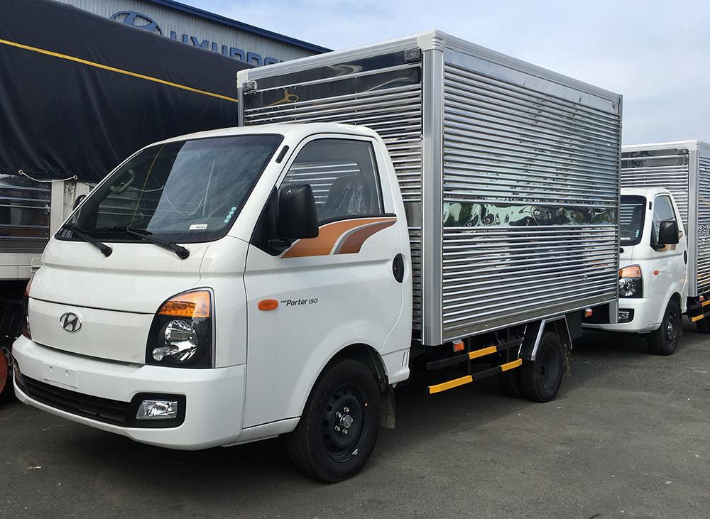 Đánh giá xe Huyndai New Porter 150 thùng kín inox chính hãng(1)