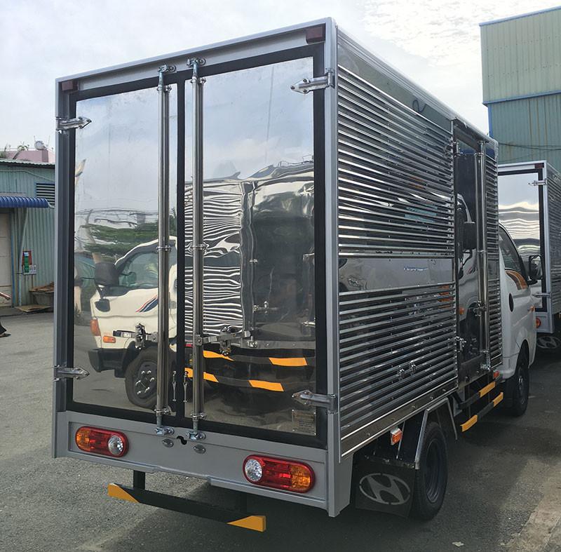 Đánh giá xe Huyndai New Porter 150 thùng kín inox chính hãng(2)