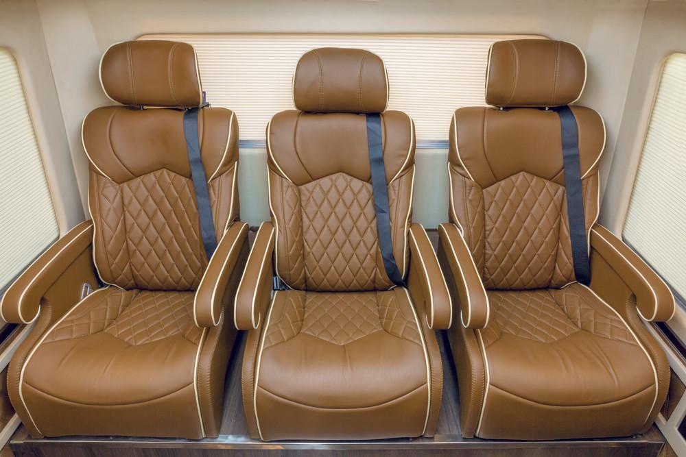 Nội thất Hyundai County Limousine(1)