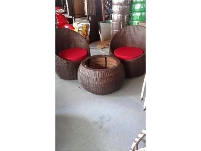 Nên chọn những mẫu bàn ghế sofa cafe đẹp giá rẻ tại TPHCM dễ sử dụng và tiện nghi