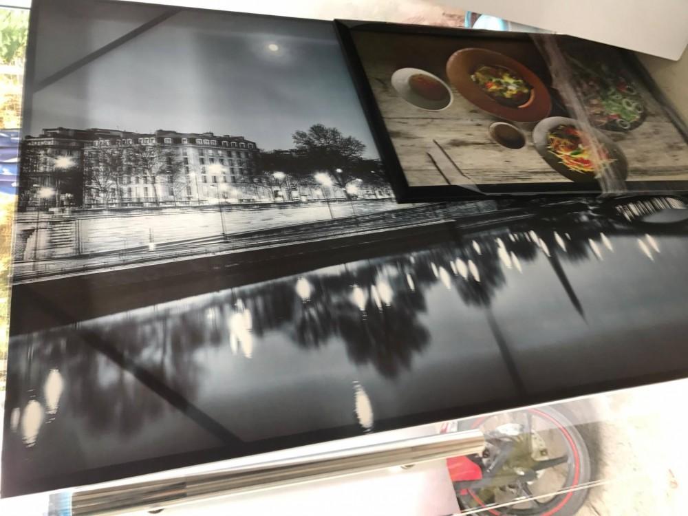 In tranh ảnh phố phường trắng đen - in tranh trang trí văn phòng làm việc